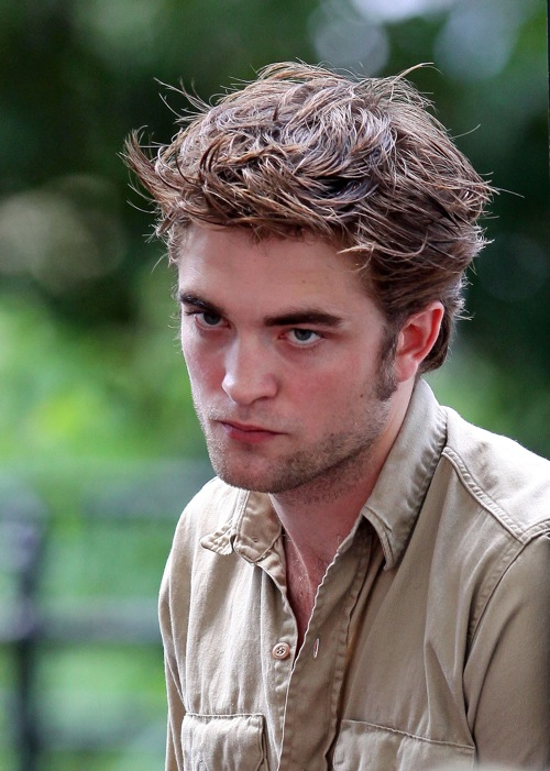 pouty-robert-pattinson-3